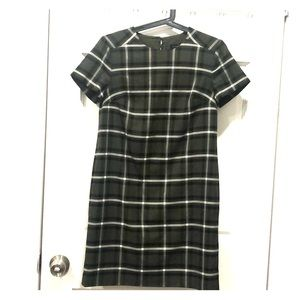 Chic forest green plaid dress